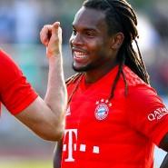 Macht Renato Sanches (rechts, daneben Robert Lewandowski) doch noch den Abgang bei den Bayern?