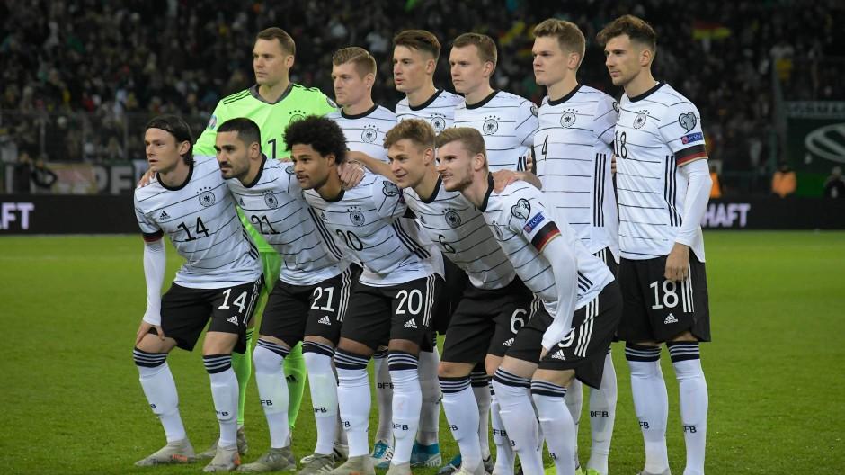 4 0 Gegen Weissrussland Deutschland Ist Fur Die Em Qualifiziert