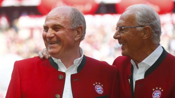 Beckenbauer will im Bayern-Streit schlichten