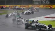 Mercedes-Duell an der Spitze: Lewis Hamilton und Nico Rosberg kämpfen auch um den WM-Titel
