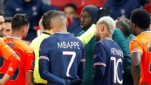 Abbruch nach Rassismusvorwurf bei Spiel von Paris Saint-Germain