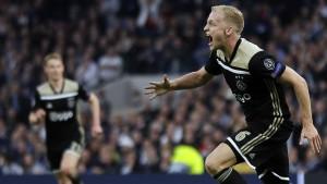 Ajax wirbelt weiter