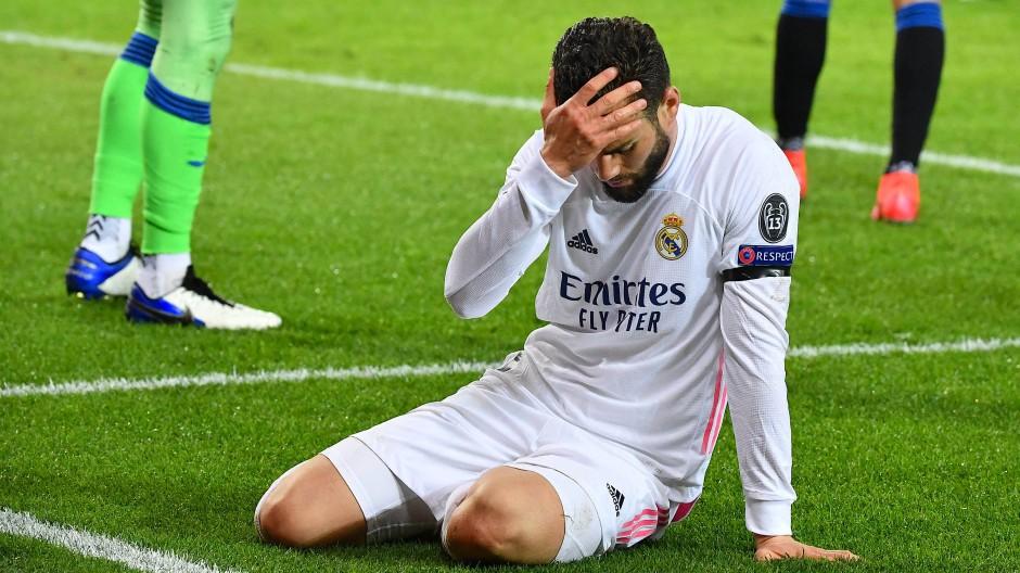 Der Ball will 86 Minuten einfach nicht ins Tor: Nacho Fernandez und Real Madrid beim Spiel gegen Atalanta Bergamo