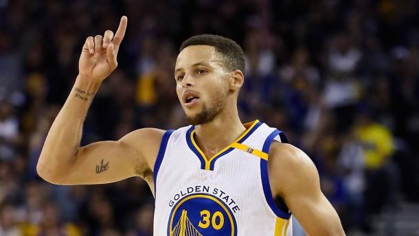 Die Drei-Punkte-Show des Stephen Curry