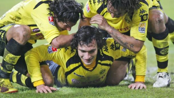 Dortmund gewinnt nach turbulenter Schlussphase