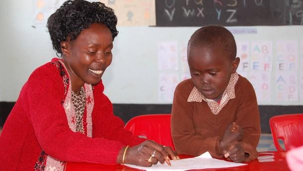 Tegla Loroupe macht Schule: In Kenia sollen Kinder mehr als Zahlen und Buchstaben lernen