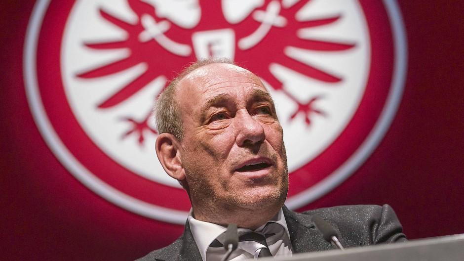 Klare Kante gegen Rechts: Eintracht-Präsident Peter Fischer
