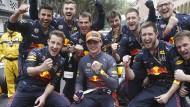 Heimgezahlt: Die Mannschaft von Red Bull triumphiert in Monaco, Mercedes kriegt ein Rad nicht ab.
