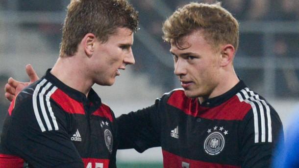 Deutsche U21-Fußballer bleiben auf EM-Kurs