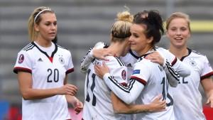 Fußballfrauen weiter ohne Gegentor