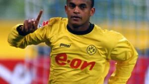 Dortmund verkauft Ewerthon