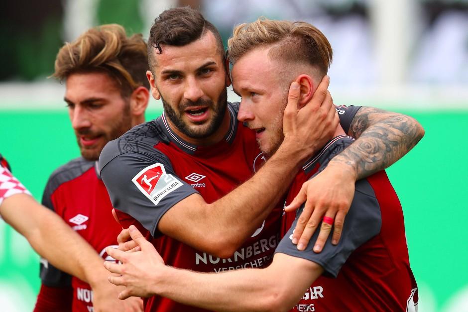 Beim emotionalen Franken-Derby setzte sich Nürnberg in Fürth durch.