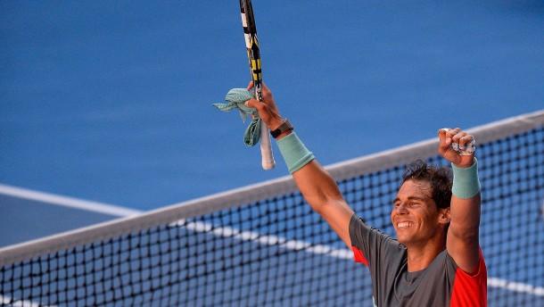 Nadal kämpft sich ins Halbfinale