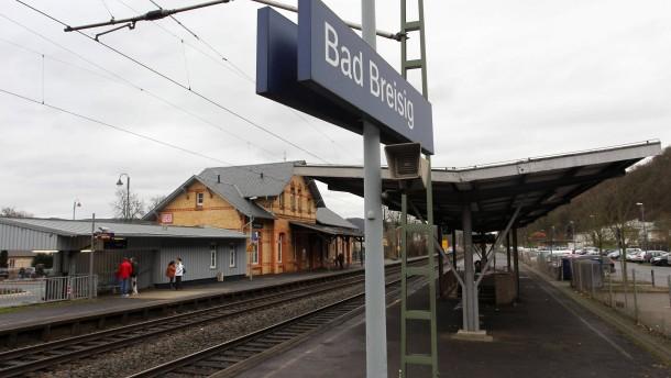 Bahn muss 1.900 Bahnhöfe nachrüsten
