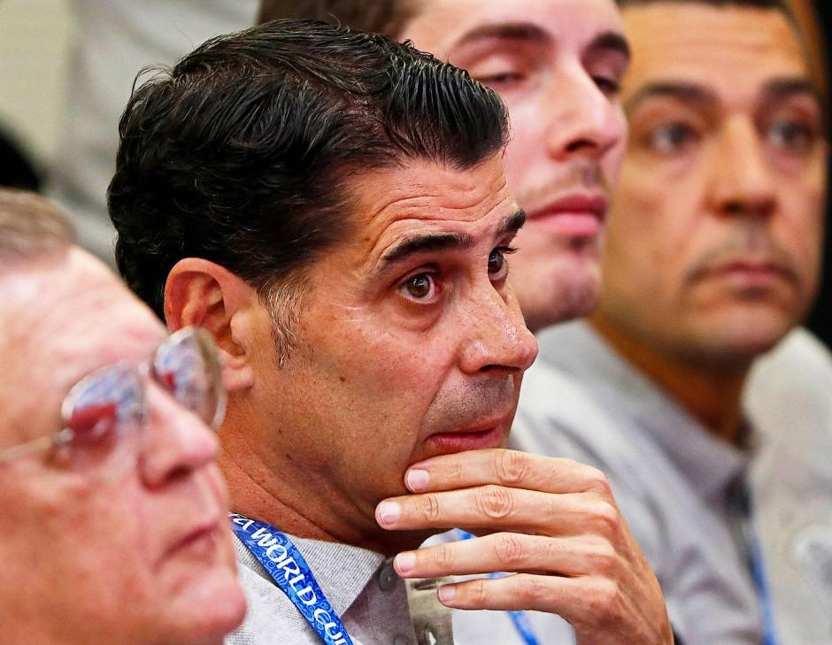 Wusste er da schon um seine neue Aufgabe? Fernando Hierro bei der Pressekonferenz zur Entlassung Lopeteguis