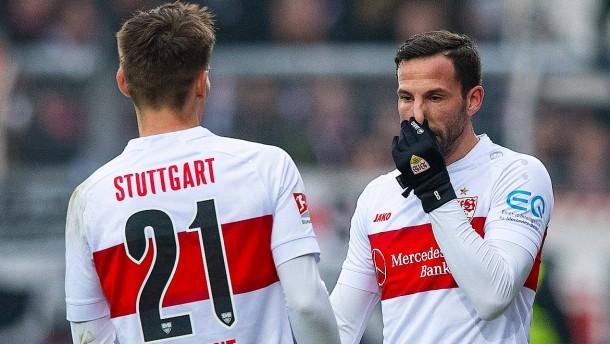 Blamage für Stuttgart, Hamburg trifft spät