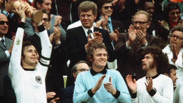 Das ist die Jahrhundertelf des deutschen Fußballs