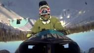 Erster zweifacher Salto mit einem Schneemobil