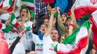 Frei zum Jubeln: Iranische Volleyball-Fans bei der WM in Polen in 2014