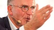 """Karl-Heinz Rummenigge: """"Dafür, dass jeder Verein selbst entscheidet, ob er die Tür für fremdes Kapital aufmacht"""""""