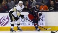 Endlich auch in der NHL auf dem Eis: Tom Kühnhackl (l.) gibt sein Debüt für Pittsburgh