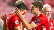 23. August 2020: Thomas Müller (rechts) mit Robert Lewandowski nach dem Sieg im Champions-League-Finale.
