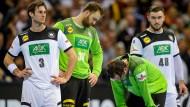 Leere in den Gesichtern der deutschen Spieler: Uwe Gensheimer (links) und seine Kollegen verpassen das WM-Finale.
