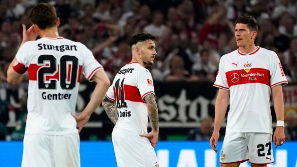Favorit Stuttgart nach Hinspiel in Abstiegsnot