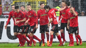 Freiburg hält sich vom Abstiegsstrudel fern