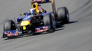 Vettel fährt im Hafen mit Leichtigkeit vornweg