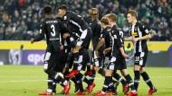 Der schwarze Block: Gladbach gewinnt letztlich souverän gegen den HSV