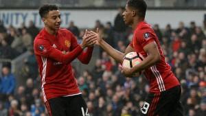 Manchester United mit Zittersieg