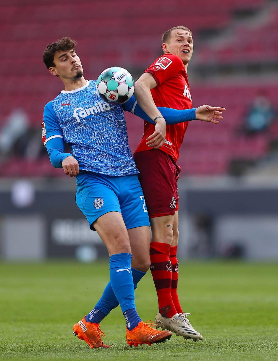 Mit dem 1. FC Köln schaffte Ondrej Duda (rechts) zuletzt den Klassenverbleib über die Relegation.