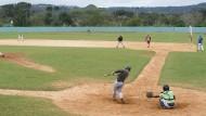 Vom Feld ins Studio: Wann die Kubaner wieder im Freien Baseball spielen können, ist unklar. Bis dahin bleibt auch aktiven Spielern nur das Würfeln.
