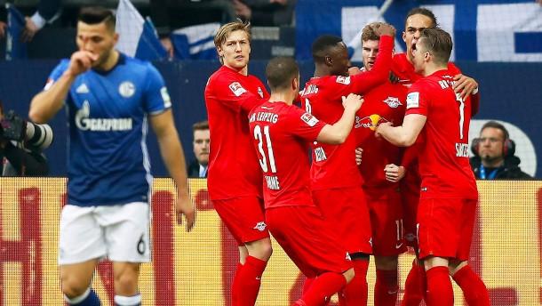 Leipzig bleibt auf Champions-League-Kurs