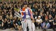 Ein Weltmeister und das Team hinter ihm: Lewis Hamilton