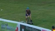 Cricket-Fan gelingt spektakulärer Fang