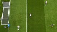 Deutschland geschlagen: Der Moment des Gegentores aus der Vogelperspektive.