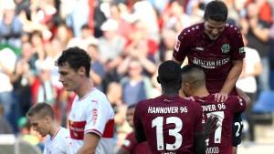 Hannover reicht die rote Laterne an den VfB weiter