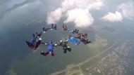 Fallschirm-Athleten im Wettkampf