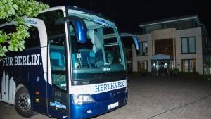 Täter zielte auf Busfahrer von Hertha BSC