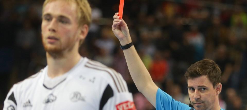 Handball Blaue Karte.Blaue Karte Handball Weltverband Ihf Führt Neue Regeln Ein