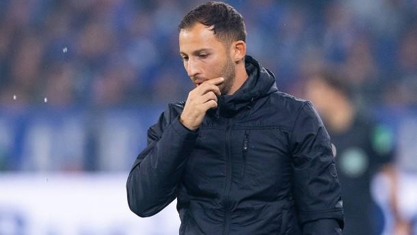 Tedesco steht auf Schalke im Regen