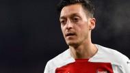 Mesut Özil heiratet in diesem Jahr – sagt zumindest sein Trainer beim FC Arsenal.