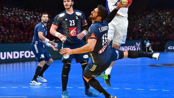 Frankreichs Handballer siegen im Fußballstadion