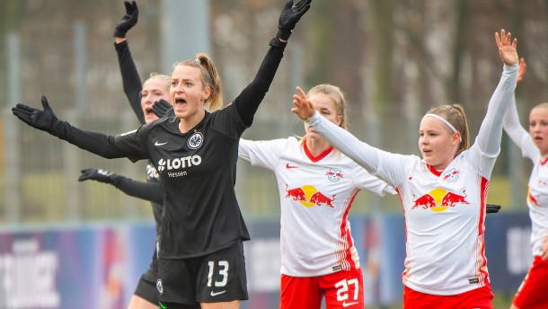 Die Eintracht-Frauen schultern ihre Aufgabe