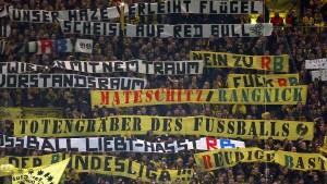 DFB sperrt Südtribüne in Dortmund