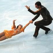 Sarah Abitbol (links) auf dem Eis mit Stephane Bernadis im Jahr 2000