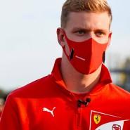 Mick Schumacher kommt der Formel 1 näher: Nun testete er in einem alten Ferrari.