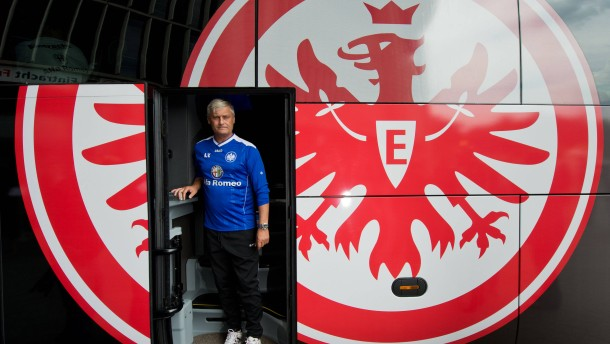 Neuer Mannschaftsbus für Eintracht Frankfurt